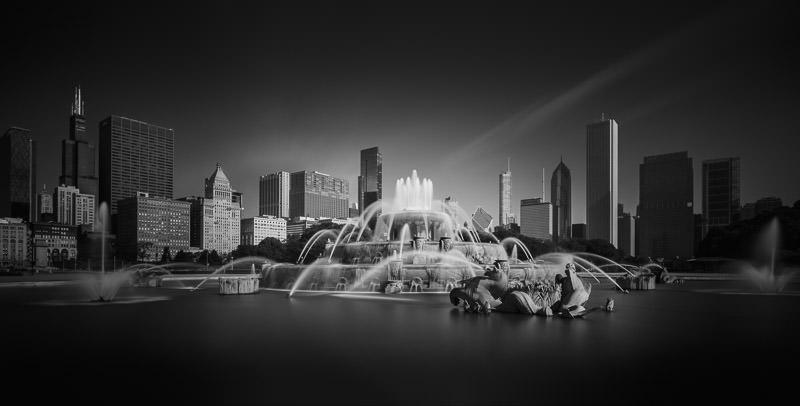 Buckingham Fountain Chicago - Black and White